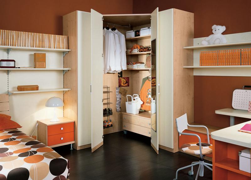 Угловой шкаф купе в спальню: фото - идеи, выбор.