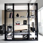 Modern-Living-Room-Design-with-Black-Leather-Sectional-Sofa-and-Black-Floor-Lamp-and-Modern-Modular-Bookcase-with-Glass-Shelf-Ideas-915x732