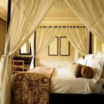 canopy-bed-curtains-5