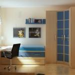 cornerclosetbedroom1