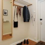 mirror-ideas-in-a-hallway-50