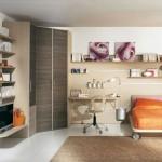 teen-bedroom-closet-corner