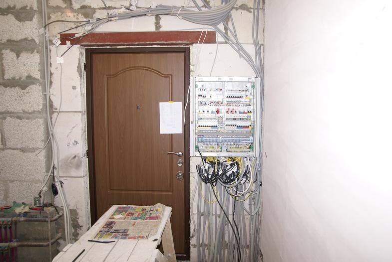 Установка электрощита в квартире своими руками