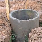gidroizoljacija-betonnogo-septika-za-schet-shiriny-jamy