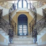 Перила для лестницы из металла: 46 фото идей