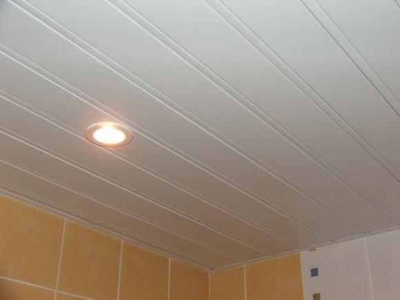 Реечные потолки для ванной: монтаж, установка