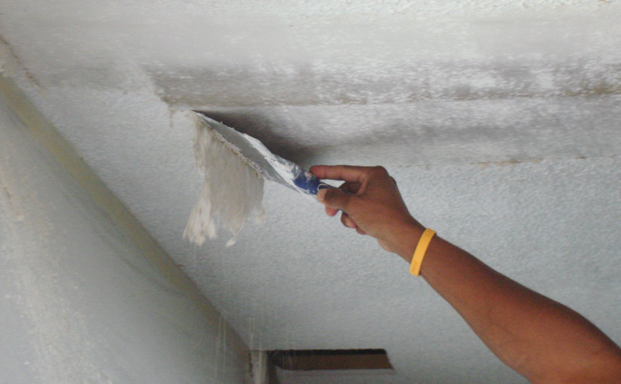 Как сделать фото ноги на потолке
