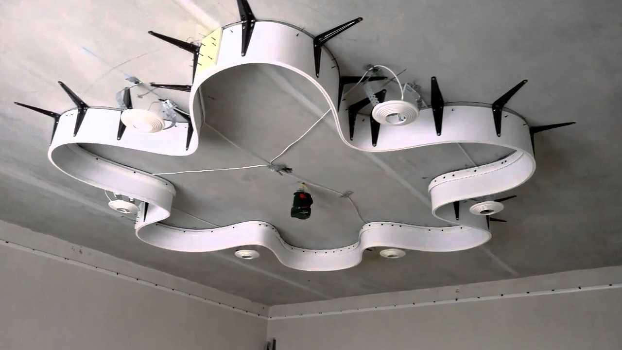 установка металлического каркаса двухуровневого натяжного потолка в спальне