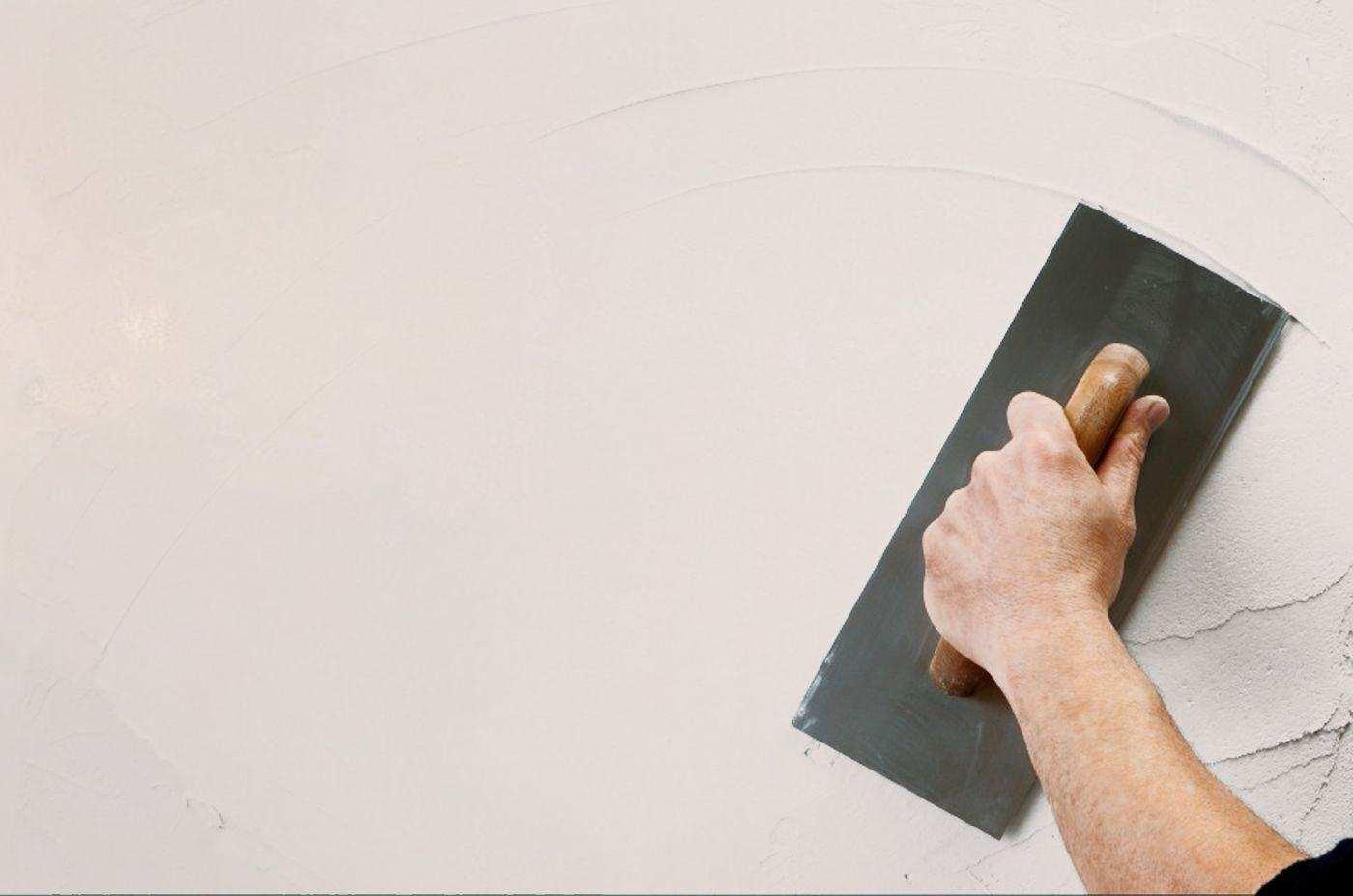 способ использования акриловой шпаклевкой путц в ремонте комнаты самостоятельно