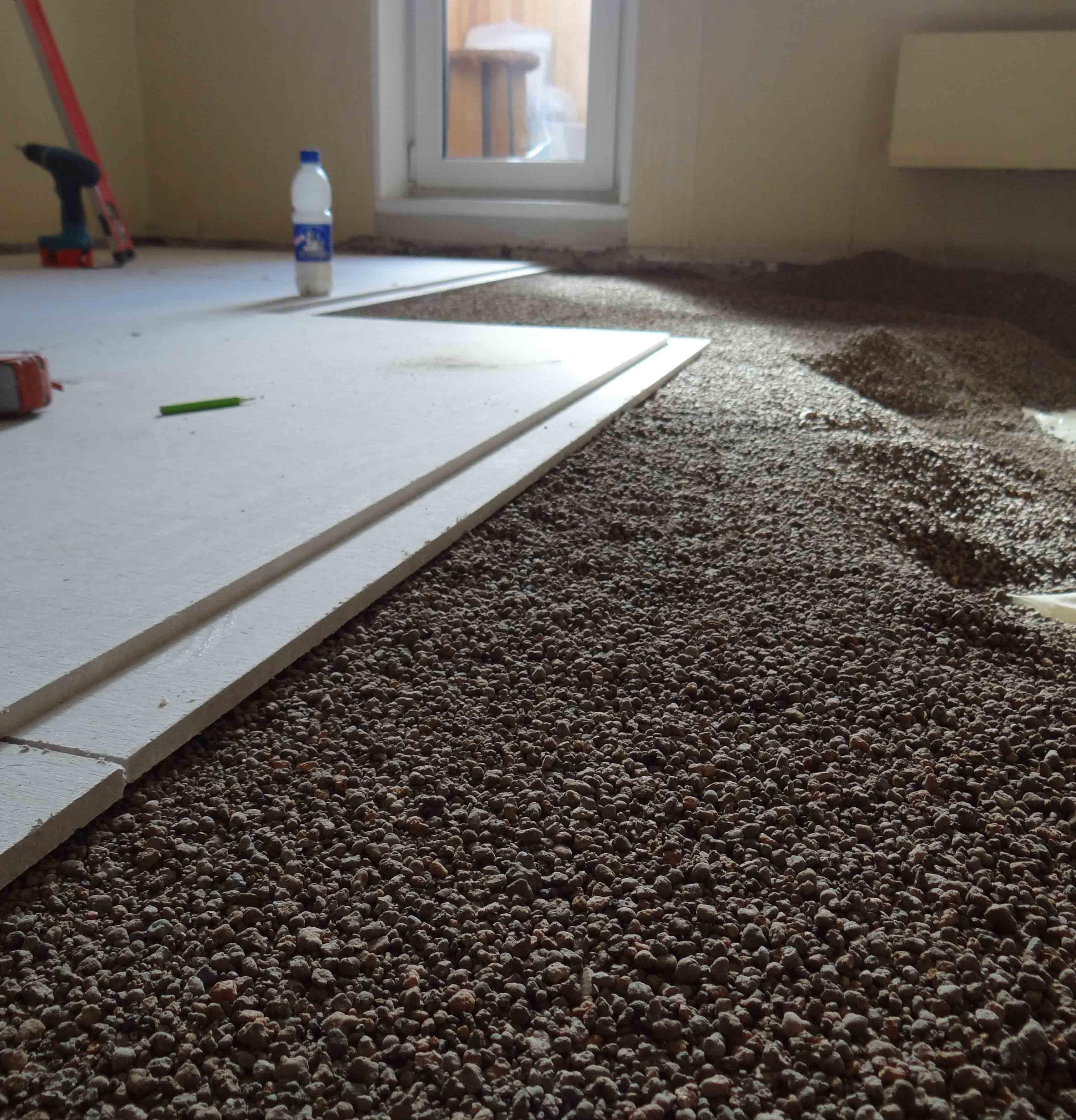 пример применения сухой стяжки кнауф в отделке комнаты