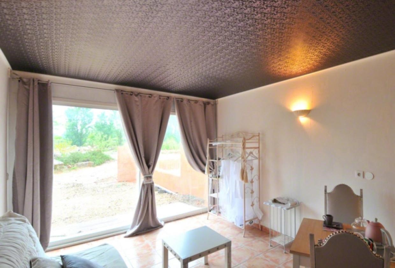 Натяжной потолок из ткани фото
