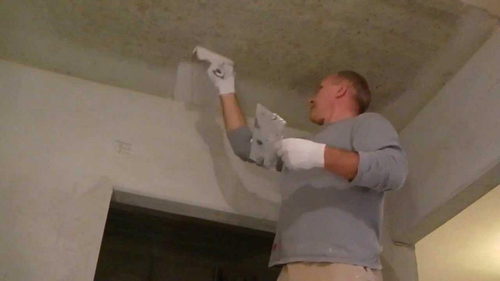 Как шпаклевать потолок под покраску своими руками 31