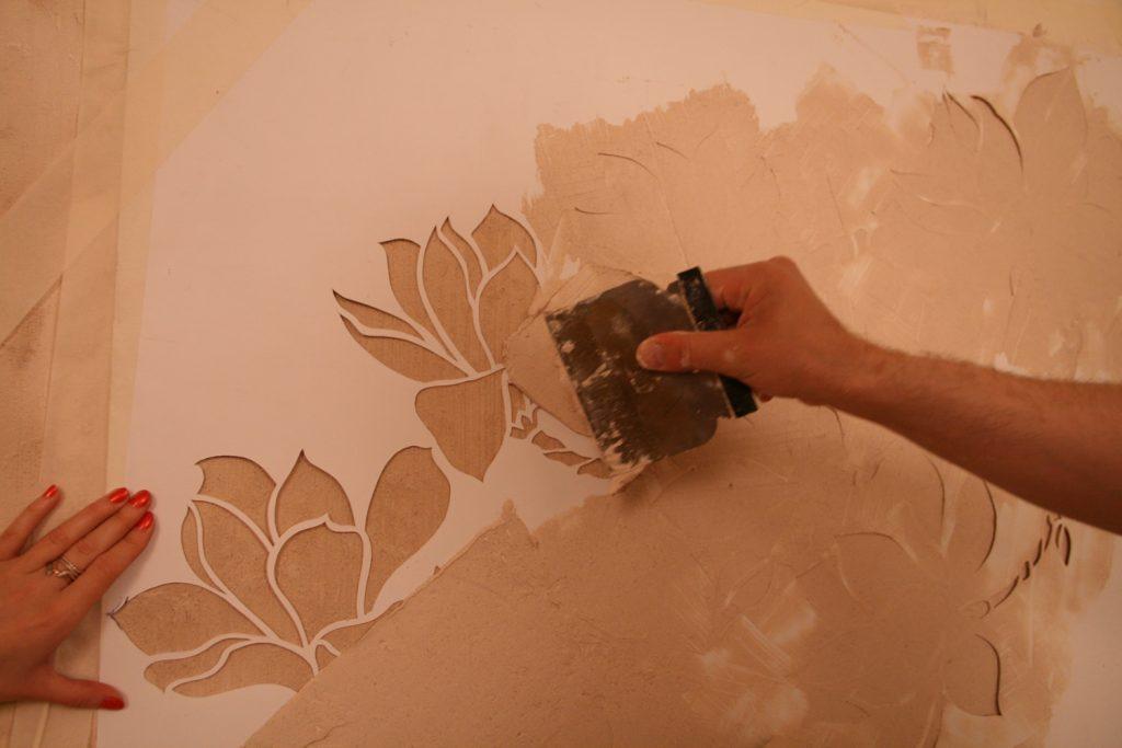 Гипсовые рисунки на стенах своими руками 48