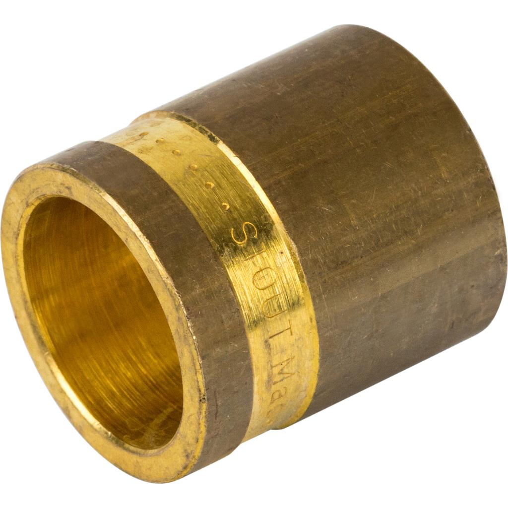 пример использования гильзы для прохода труб в отделке стен