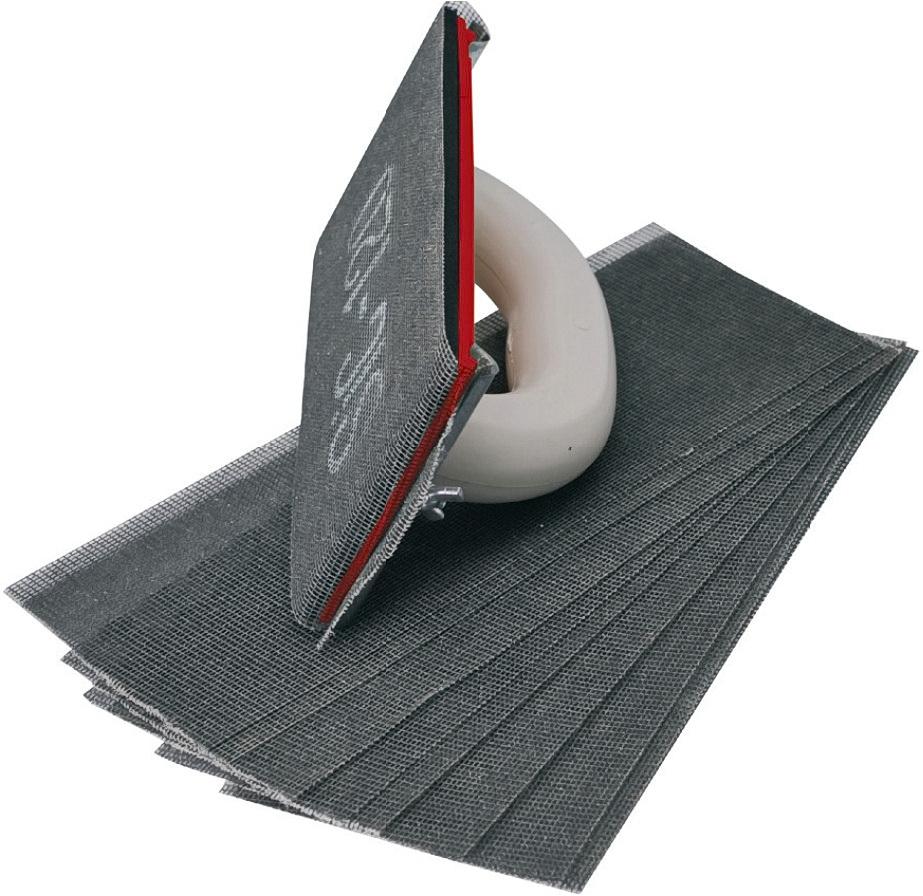 вариант применения шлифовки стен в отделке комнаты