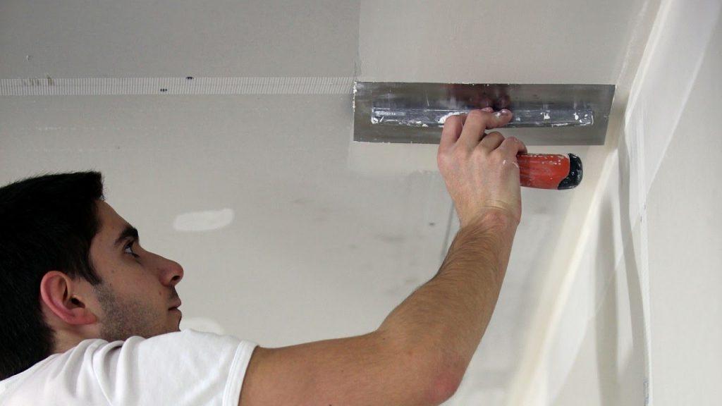 покраска потолка отвалилась шпаклевка системы контроля