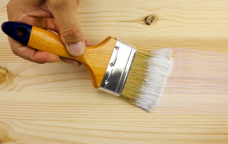 Как покрасить дерево или деревянную поверхность своими руками 96