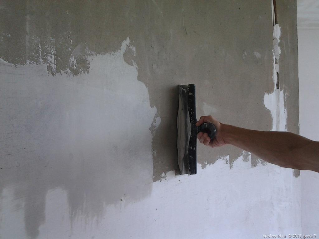 пример использования шпаклевки для стен в отделке дома
