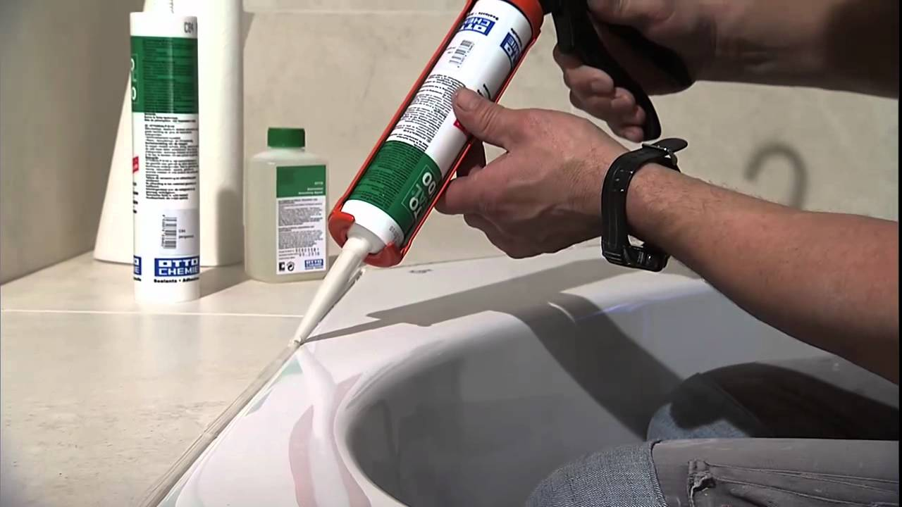 вариант применения герметизации в ванной в отделке дома